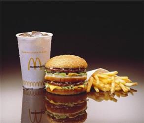 吃快餐抽两瓶黑血是真的吗?吃快餐血会变黑吗?