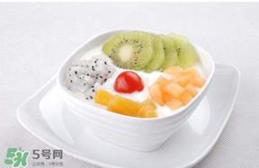 吃完皮皮虾能喝酸奶吗 皮皮虾可以和酸奶一起吃吗