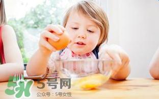 为什么不能给宝宝吃果冻?宝宝千万不能吃的5种危险食物