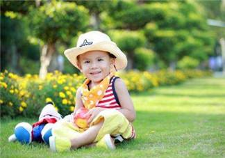 家长什么时候可以带宝宝进行户外活动?宝宝最佳的户外运动时间是什么?