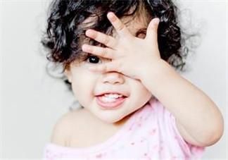 宝宝总是拿手揉眼睛是怎么了?宝宝眼睛痒怎么处理?