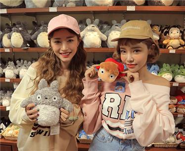 适合年轻女孩穿的韩国衣服品牌推荐