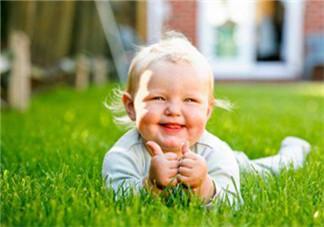 宝宝晒太阳怎么晒?最佳的晒太阳时间
