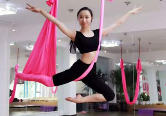 空中瑜伽适合初学者吗?空中瑜伽适合新手练吗?
