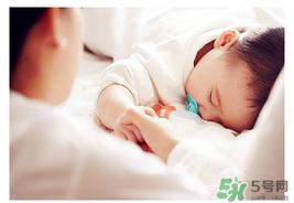 新生儿吹空调的危害图片