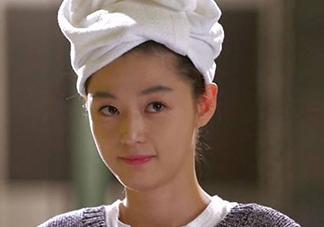 怎么用毛巾包头发?如何用毛巾包头发图解