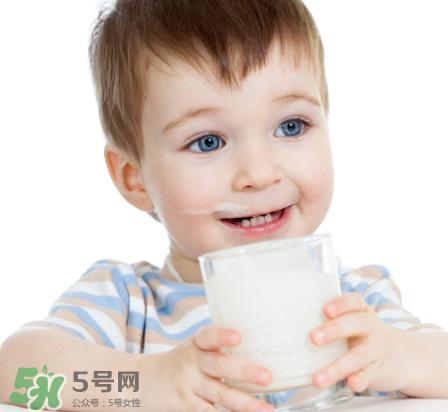 儿童能喝老年人奶粉吗?老年人奶粉小孩能不能喝?