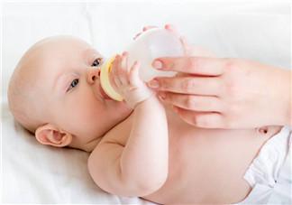 宝宝吐奶和哭有关系吗?宝宝哭会引起吐奶吗?