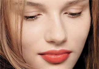 唇部打底可以用BB霜吗?唇部打底产品推荐