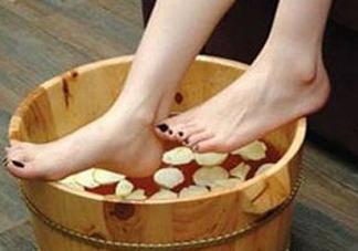三伏天能用姜泡脚吗?三伏天用姜泡脚好吗?