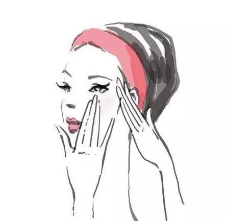 毛孔粗用什么护肤品好图片
