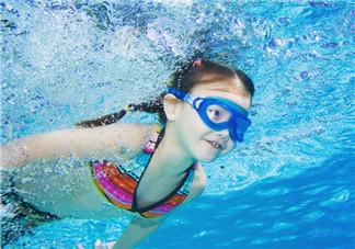 游泳为什么浮不起来?游泳浮不起来怎么办?