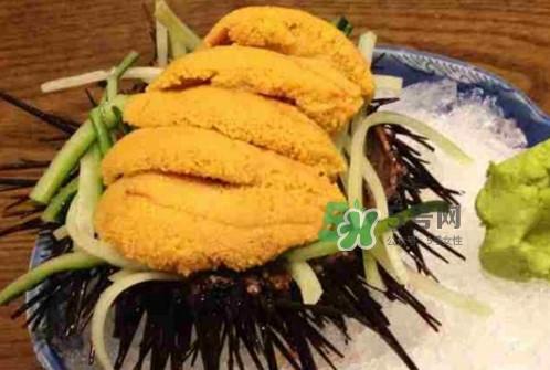 海胆黄一次吃多少克合适?海胆里面黑色的能吃吗