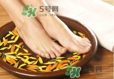 花椒水泡脚有什么功效?花椒水泡脚去湿气吗?