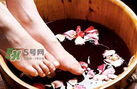 花椒水泡脚一次用多少花椒?花椒水泡脚多长时间最佳