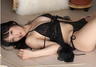 """""""坏女人""""在床上最渴望什么的性爱方式"""