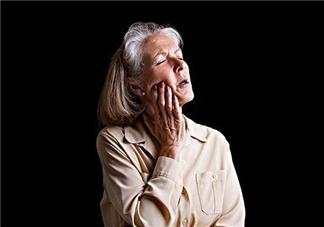 牙龈肿痛是什么原因引起的?牙龈肿痛的原因