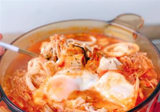 番茄泡菜海鲜豆腐汤的做法