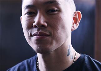 中国有嘻哈嘻哈侠同款鞋子什么牌子_型号_多少钱?