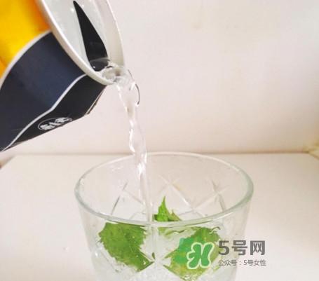 苏打水怎么做饮料?柠檬苏打水怎么做
