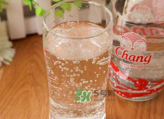 苏打水是什么水?苏打水喝多了会怎么样?