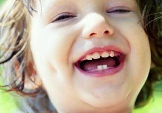 怎么防止宝宝长蛀牙?别让孩子吃大人的口水