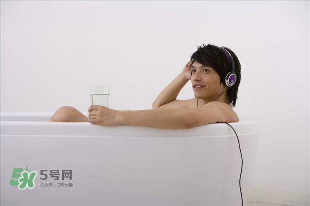 洗澡可以排毒吗 什么是干泡法