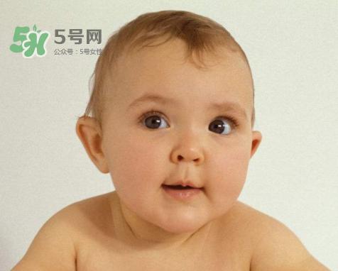 宝宝近视有什么症状?宝宝近视有什么表现?