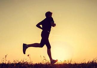 跑步姿势不对的危害 正确的跑步姿势