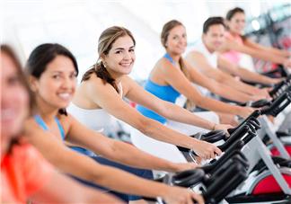 动感单车和跑步机哪个减肥效果好?动感单车和跑步机哪个瘦腿快?