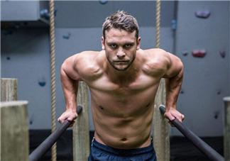 健身吃蛋白粉还是增肌粉好?健身吃蛋白粉有什么用?