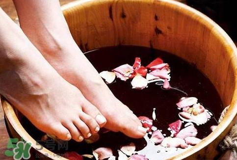醋泡脚可以去死皮吗??醋泡脚可以减肥吗?