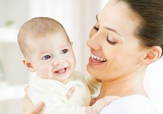 新生宝宝几个月可以竖着抱?宝宝竖着抱的正确姿势