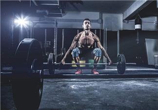 硬拉能练腹肌吗?硬拉可以练腹肌吗?