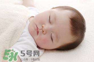 寶寶睡覺出汗怎么處理