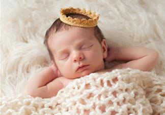 新生儿怎么睡觉姿势正确?新生儿怎么睡头型好看?