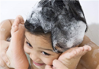 去屑洗发水真的能去屑吗?自然晾干头发好不好?