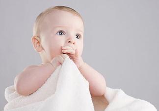 宝宝手指甲有白痕怎么回事?幼儿手指甲发白是缺钙吗