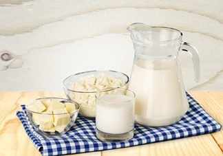 牛奶和螃蟹能一起吃吗?牛奶和什么不能一起吃?