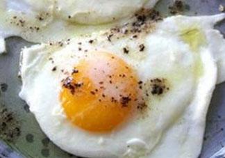 荷包蛋为什么发黑?荷包蛋发黑能吃吗?