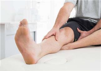 脚气用盐水泡脚有用吗?用盐水泡脚治脚气吗?