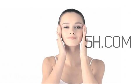 卸妆膏和卸妆乳的区别图片