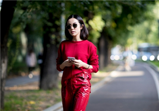 红色毛衣怎么搭配?红色毛衣搭配图片