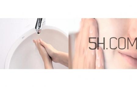 卸妆膏和卸妆水的区别图片