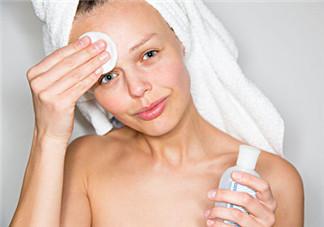 天天用卸妆水对皮肤有哪些伤害 每天用卸妆水对皮肤有害吗