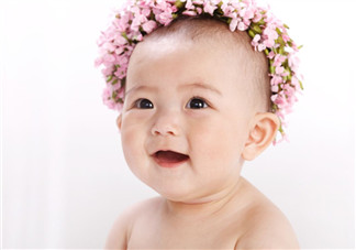 宝宝发烧呕吐怎么办?宝宝斜视怎么办?