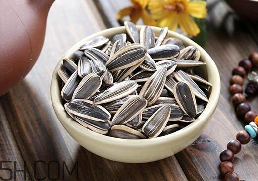 葵花籽可以生吃吗?葵花籽可以多吃吗