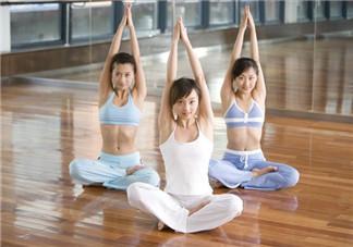 更年期练习瑜伽的条件准备 更年期练习瑜伽的注意事项