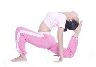 练瑜伽出汗好还是不出汗好?练瑜伽对颈椎有好处吗?