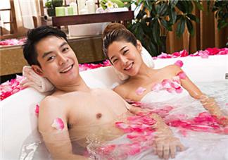 冬天洗澡起皮怎么办 水嫩肌肤用这5招